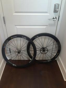 FSA Vision Team 30 Clincher disc wheel-set Tires Tube and Di
